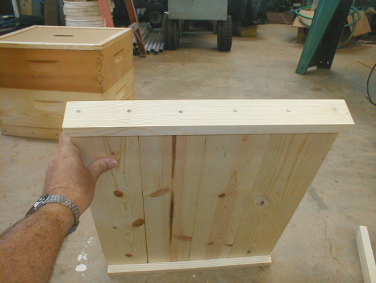 honey bee hive outer cover assembly - side rails nailed on