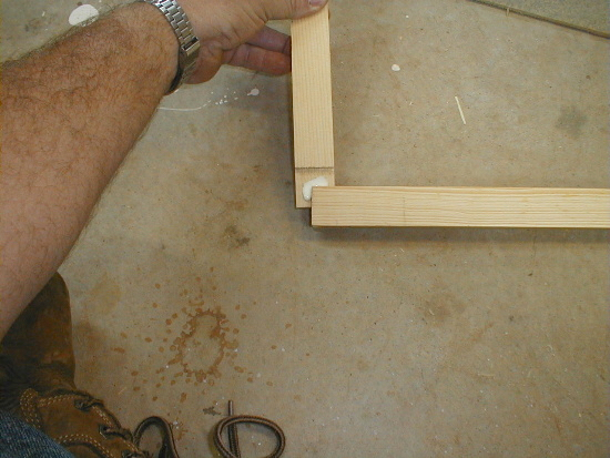honey bee hive inner cover assembly - adding glue to corner joints